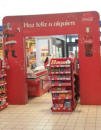 Salida cajas supermercado, promocion navidad, arco fabricado en polipropileno celular