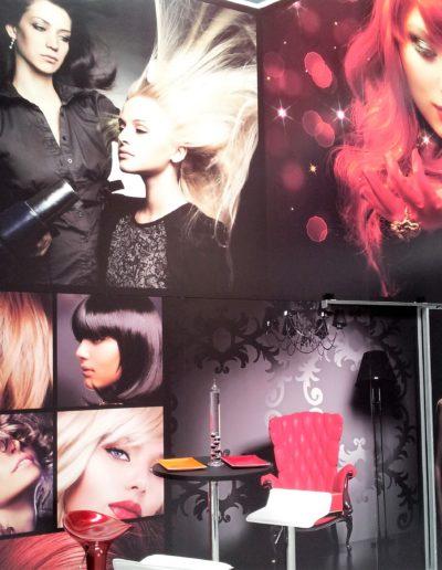 Pared showroom cadena peluquerías hecha en pvc foam impreso
